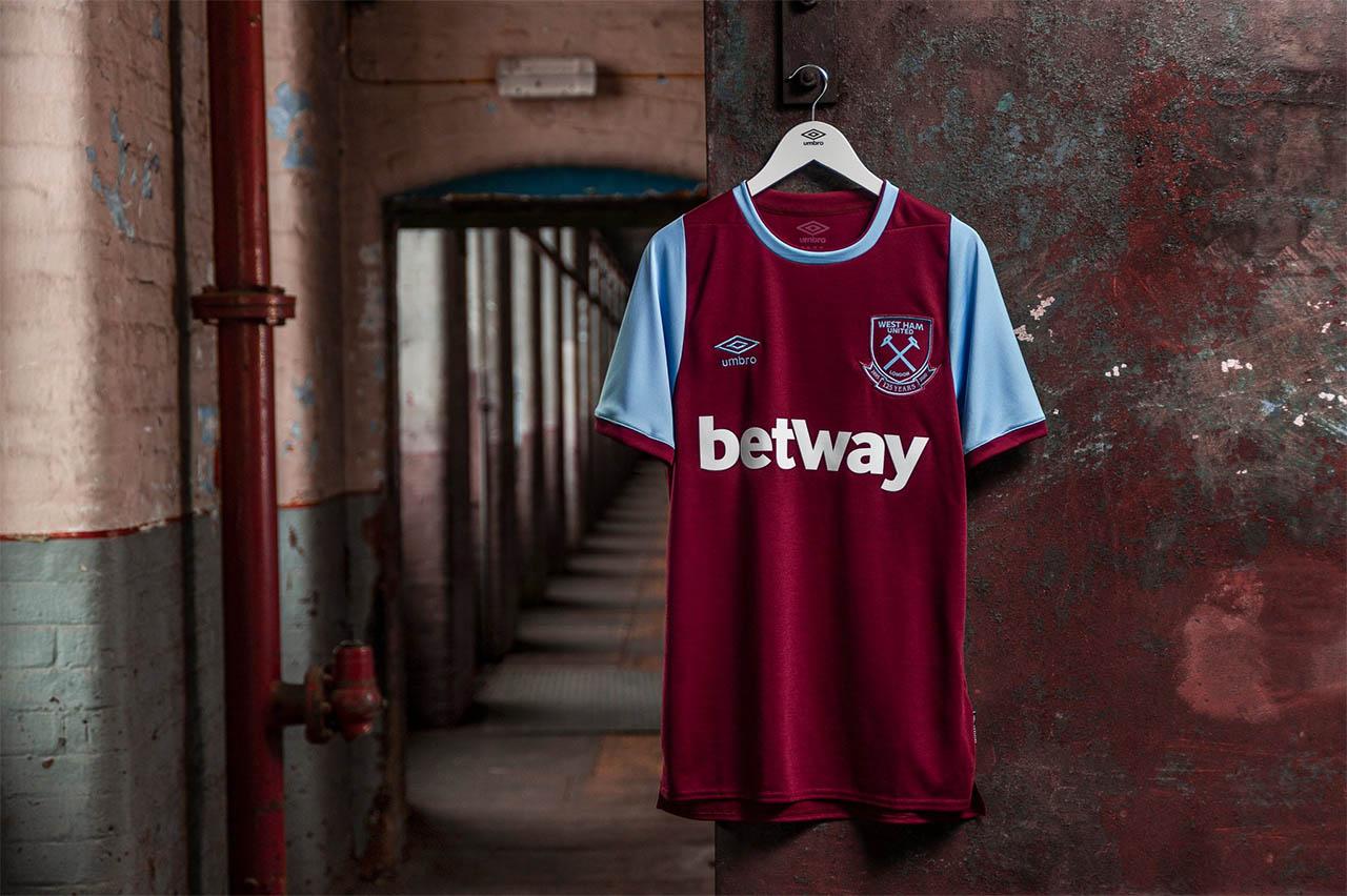 Camisas do West Ham 2020-2021 Umbro