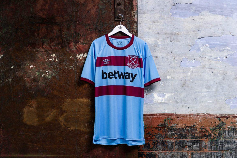 Camisas do West Ham 2020-2021 Umbro Reserva a