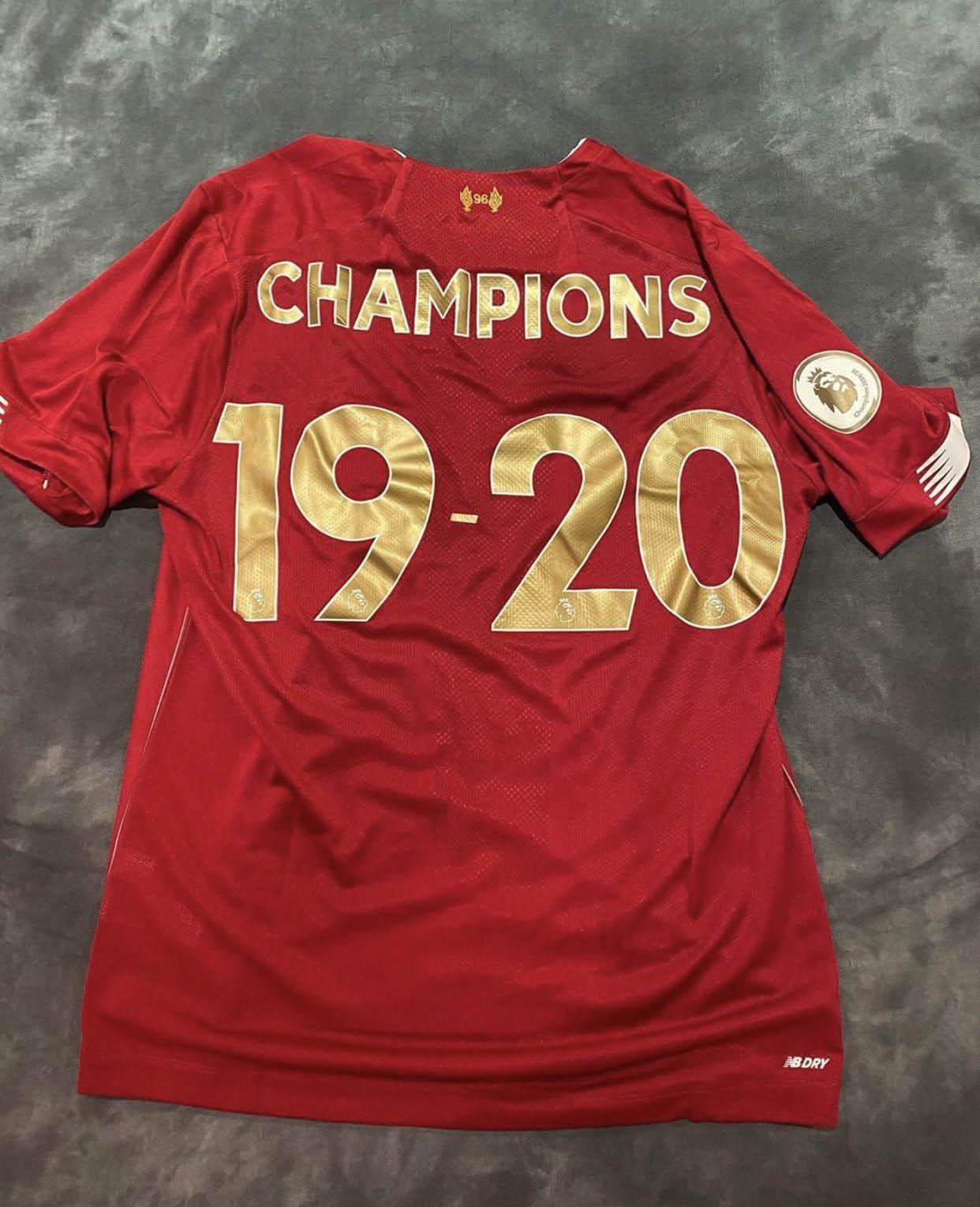 Liverpool lança camisa para celebrar título da Premier League 19-20 2