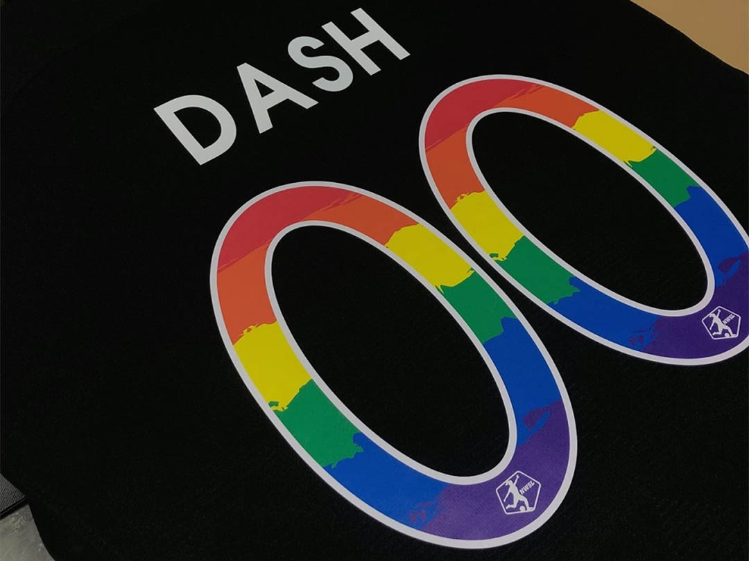 Pride Houston Dash lança camisa de treino em apoio à diversidade
