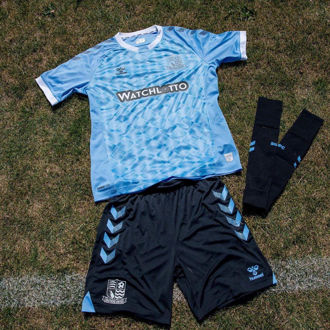 Camisas do Southend United 2020-2021 Hummel Reserva