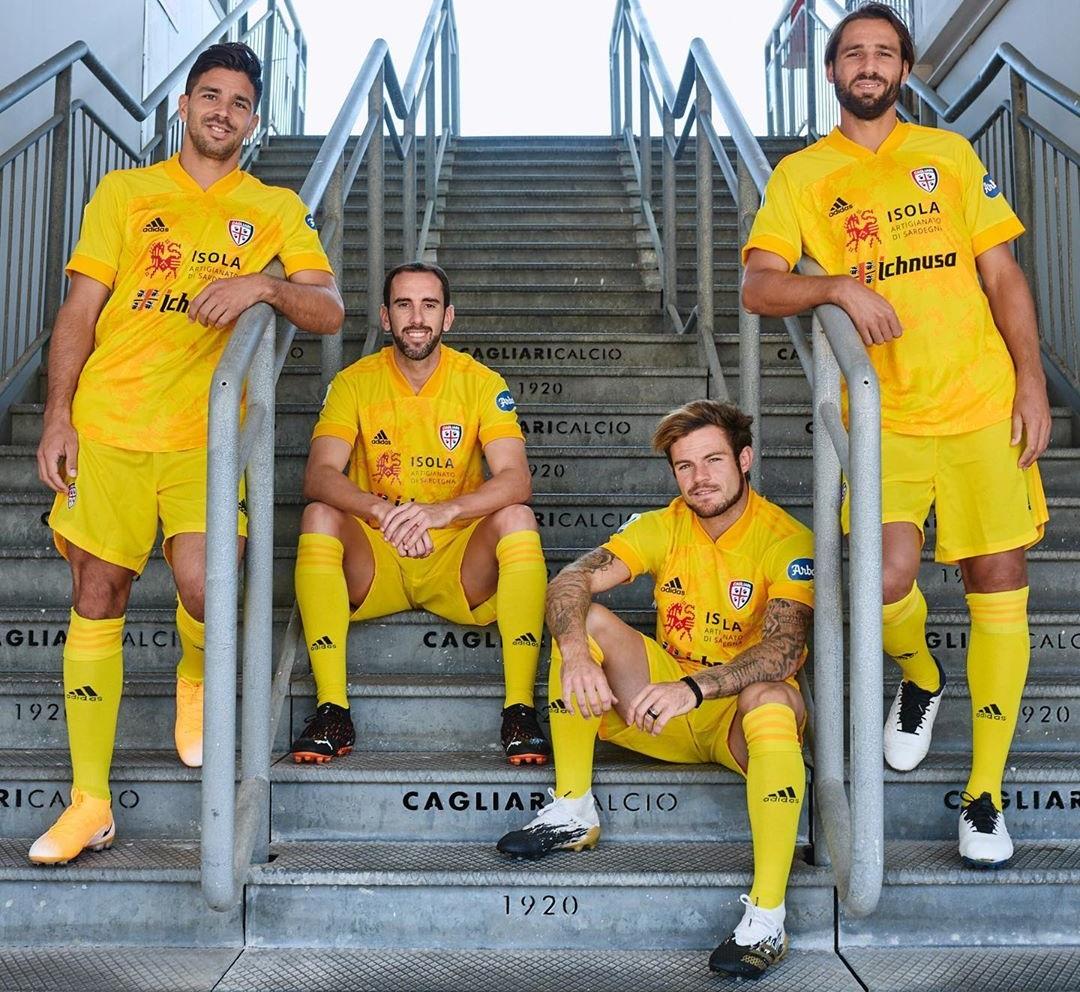 Camisas do Cagliari Calcio 2020-2021 Adidas