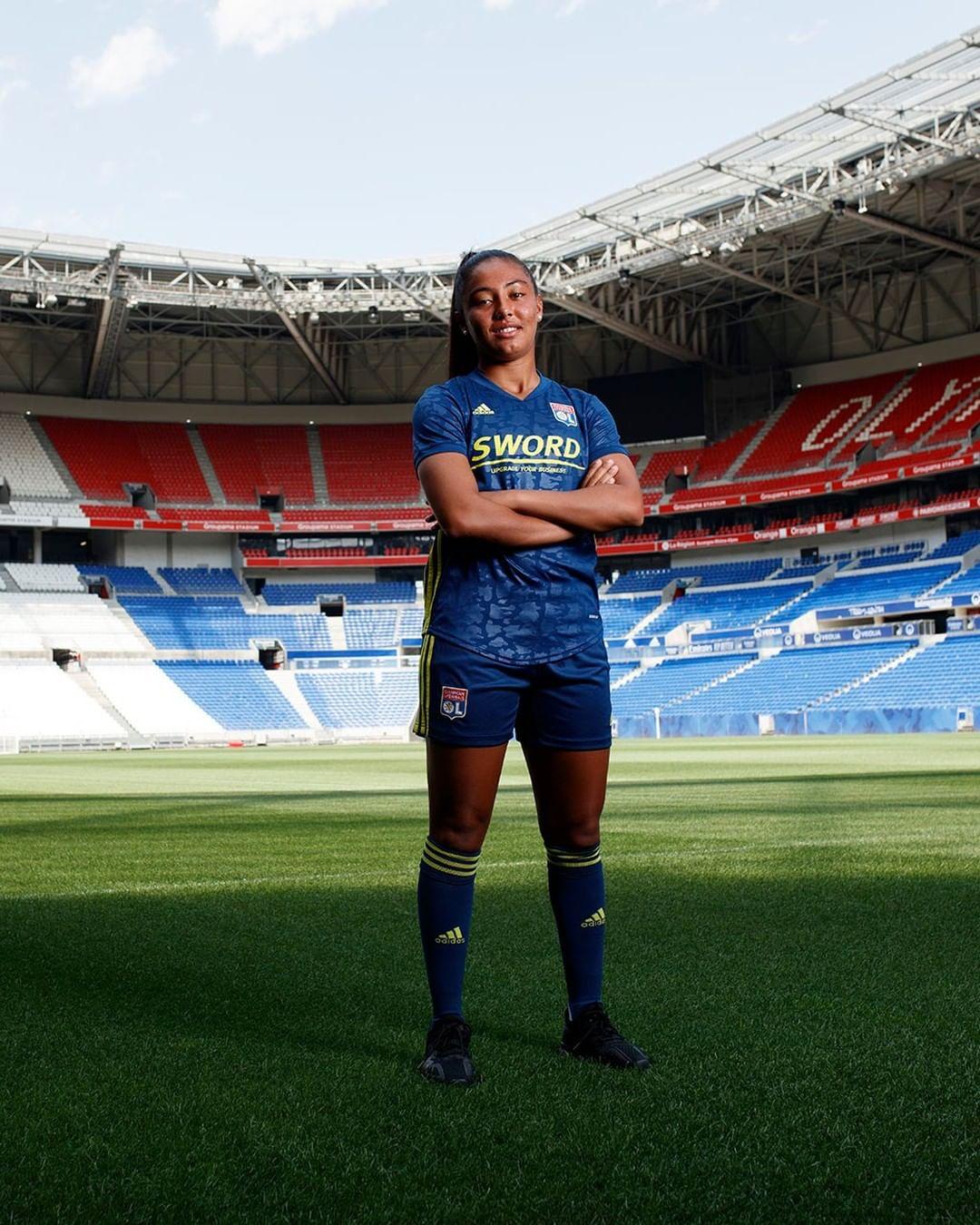 Terceira camisa do Lyon 2020-2021 Adidas