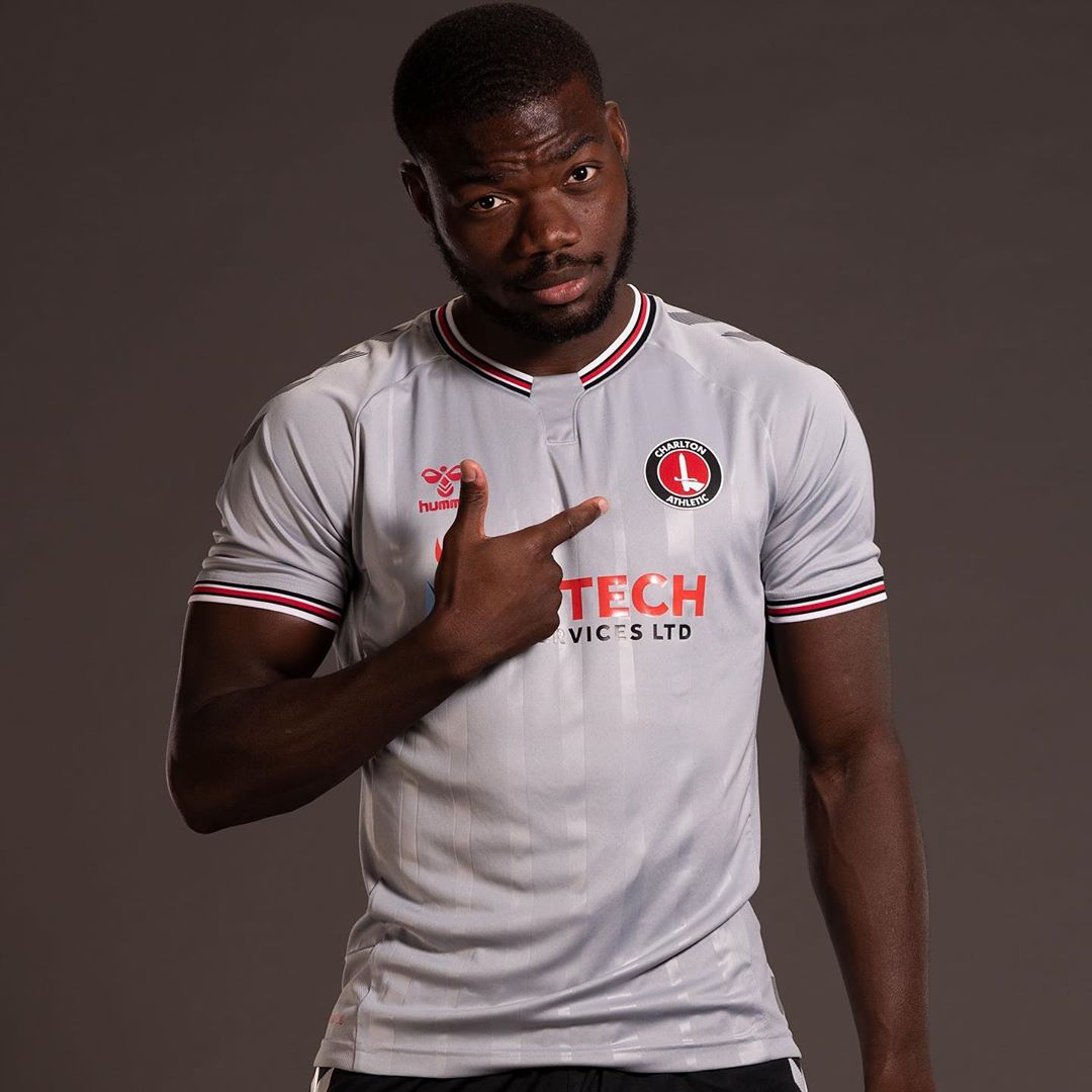 Camisas do Charlton Athletic 2020-2021 Hummel Reserva