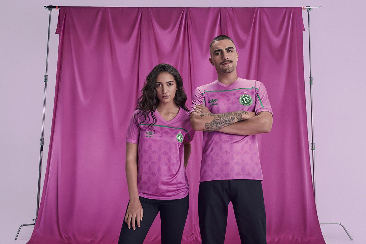 Camisa Umbro FEMAMA Outubro Rosa Chapecoense
