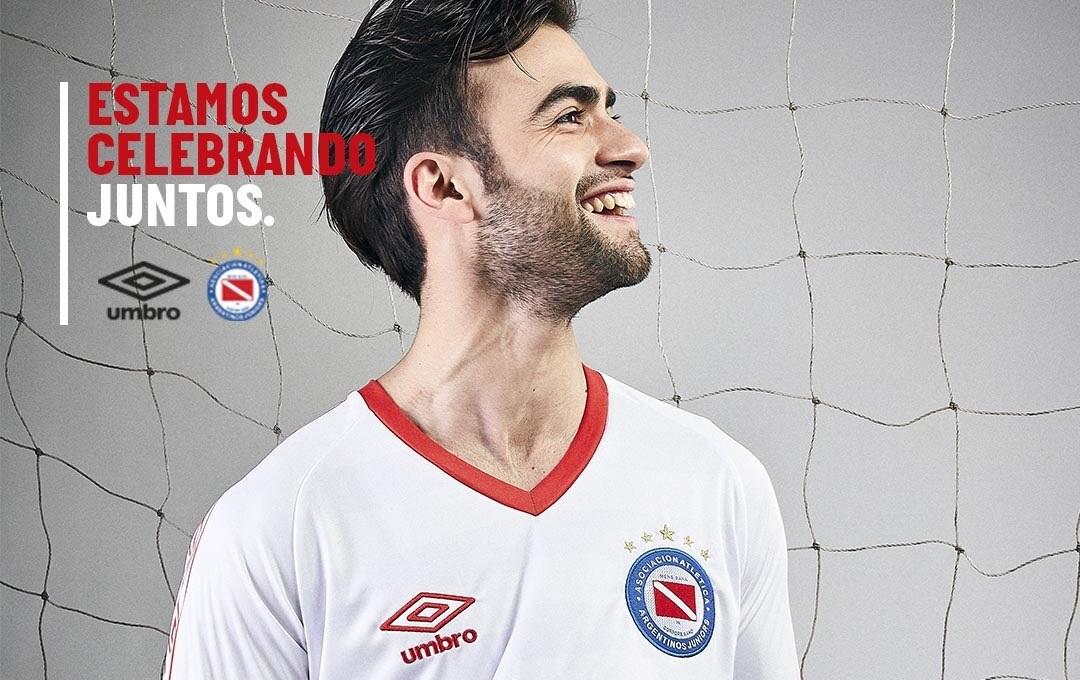 Argentinos Juniors lança camisa pelos 35 anos da Libertadores