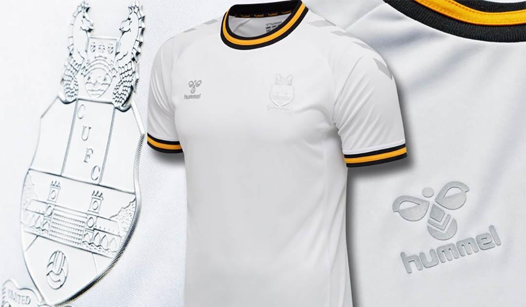 Camisa comemorativa do Cambridge United 2020 Hummel