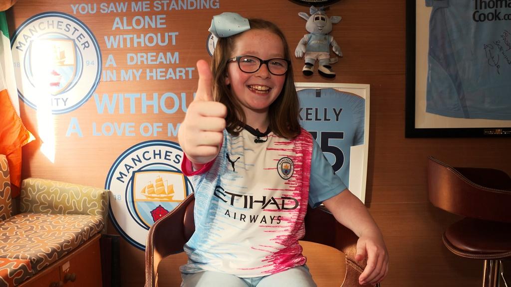 Manchester City e PUMA divulgam camisa desenhada por torcedora