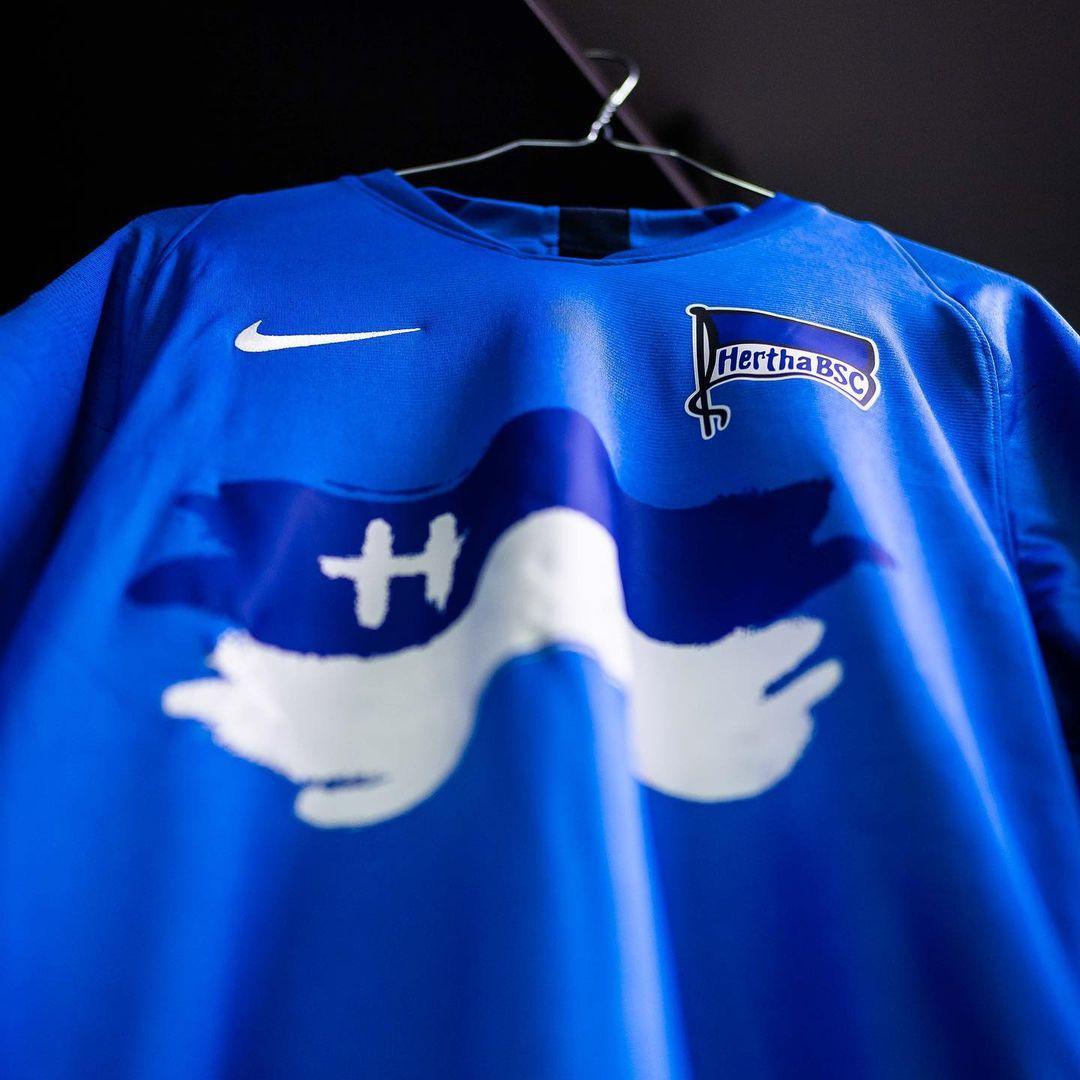 Camisa especial do Hertha Berlin 2020-2021 Nike