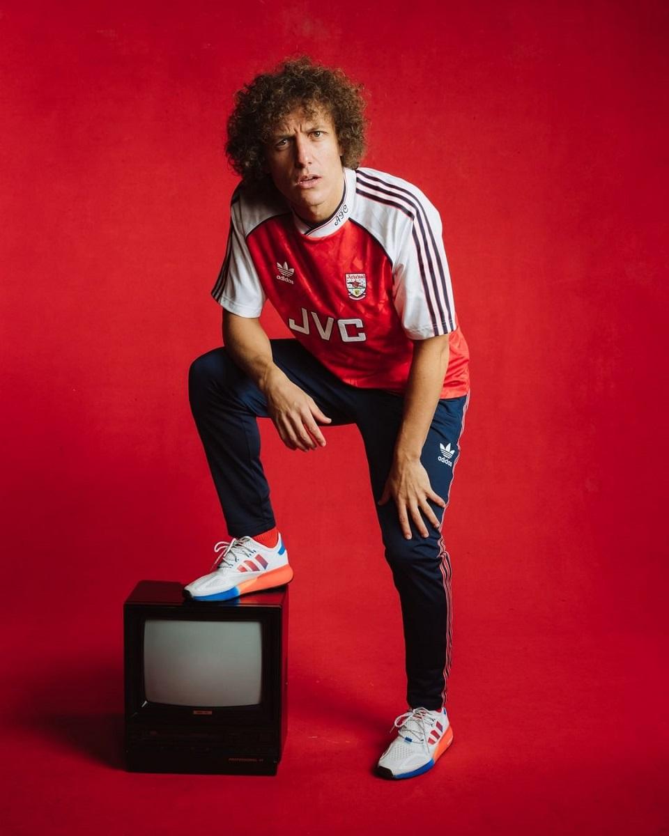 Adidas lança coleção retrô anos 90 para o Arsenal