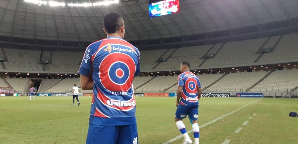 Fortaleza coloca alvo em camisa de atletas negros