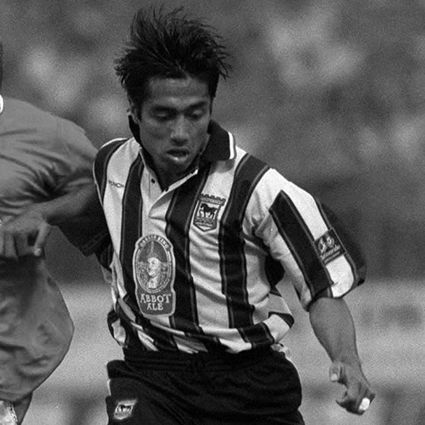 COPA Football lança camisa retrô de 1997 do Ipswich Town
