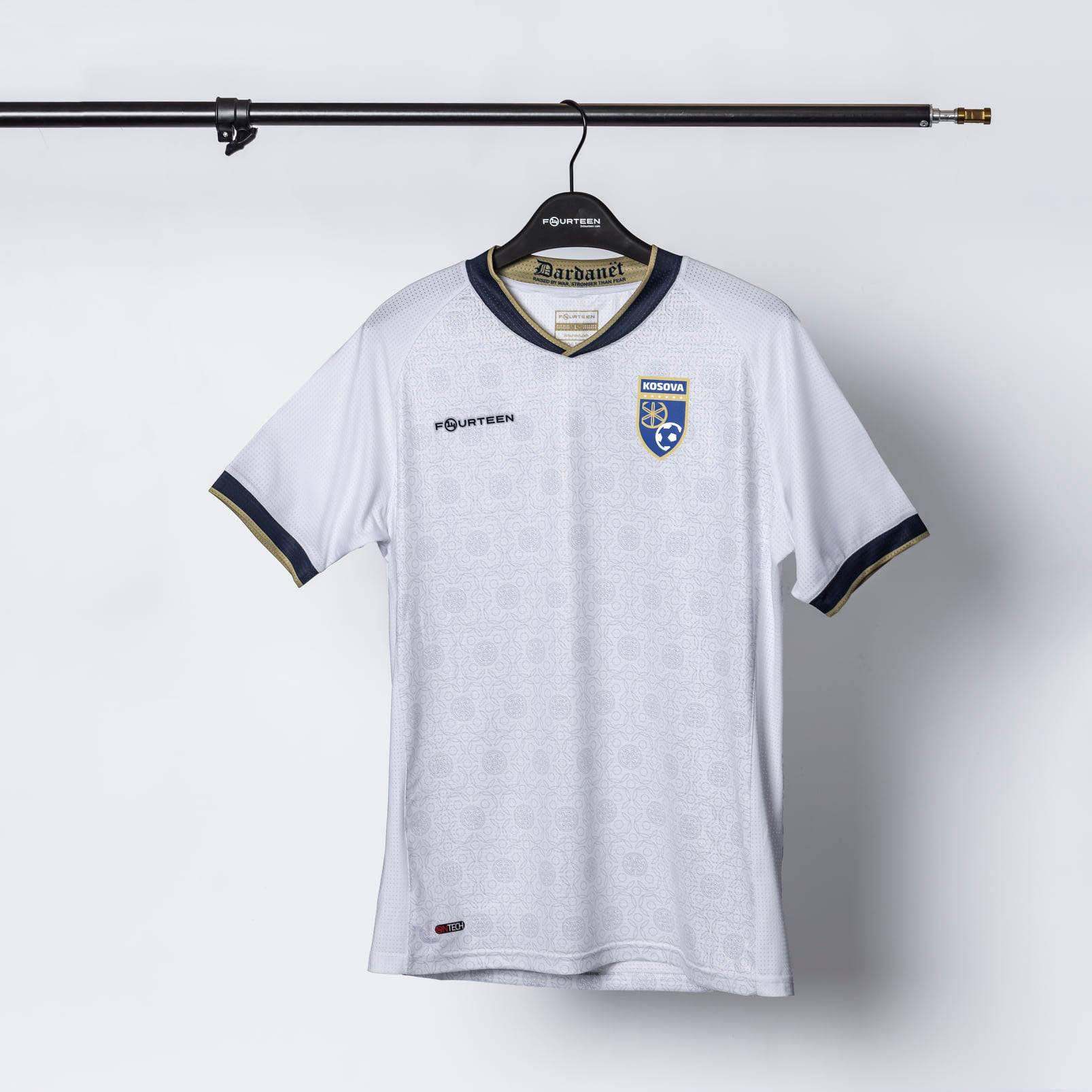 Camisas de Kosovo 2021-2022 14Fourteen Away