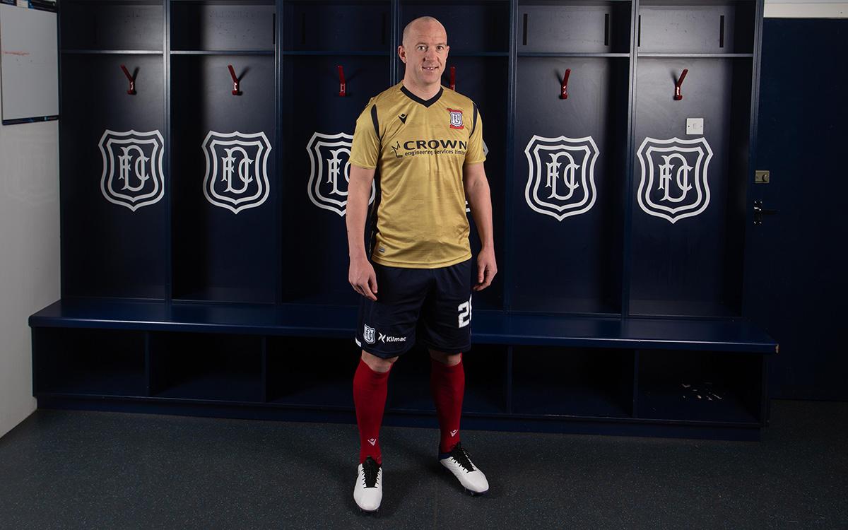 Terceira camisa do Dundee FC 2021 Macron