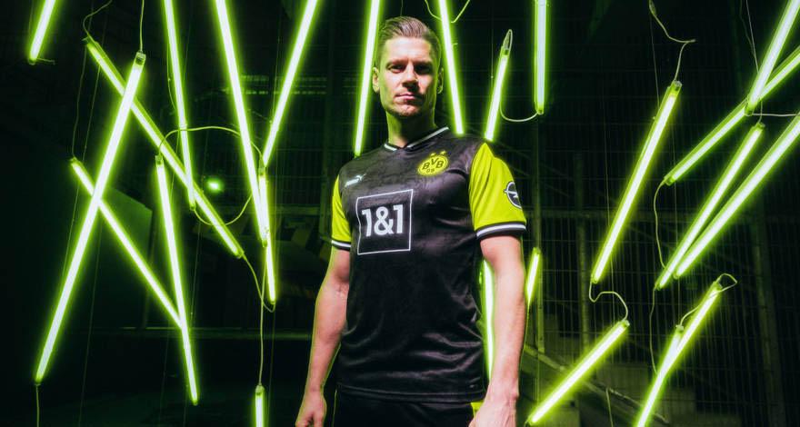 NeonGelb Camisa retrô do Borussia Dortmund Anos 90 2021 PUMA 1