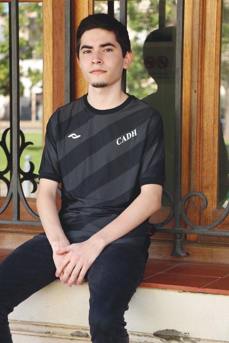 Quarta camisa do Douglas Haig 2021 Coach