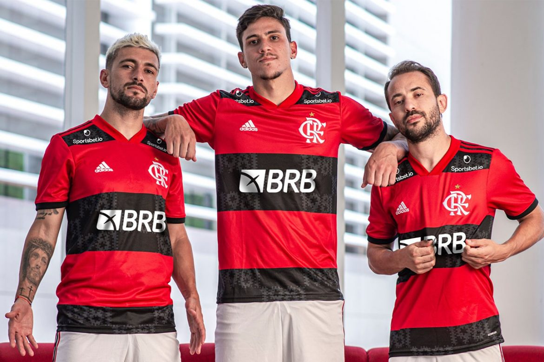Regulamentação deve popularizar casas de apostas em camisas de times brasileiros