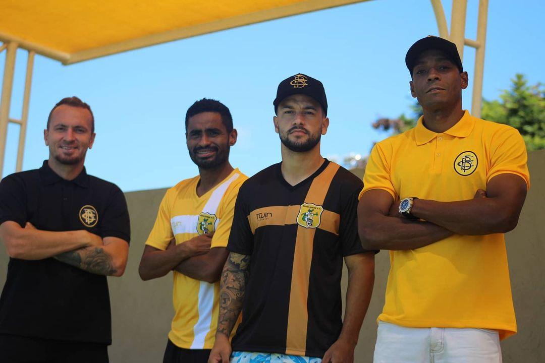 Brasiliense lança linha de camisas populares