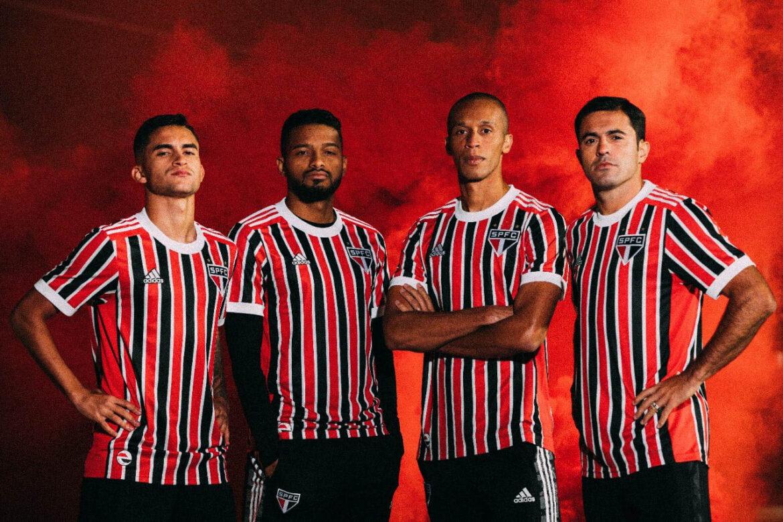 Camisa listrada do São Paulo FC 2021-2022 Adidas