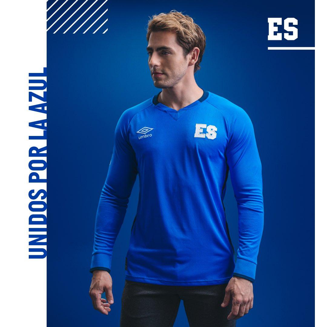 Camisas de El Salvador 2021-2022 Umbro Titular
