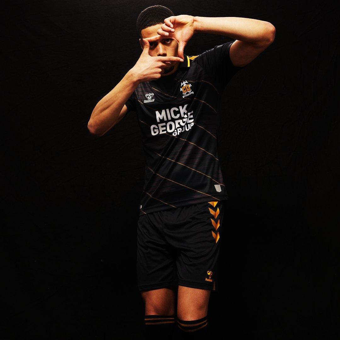 Camisas do Cambridge United 2021-2022 Hummel Away