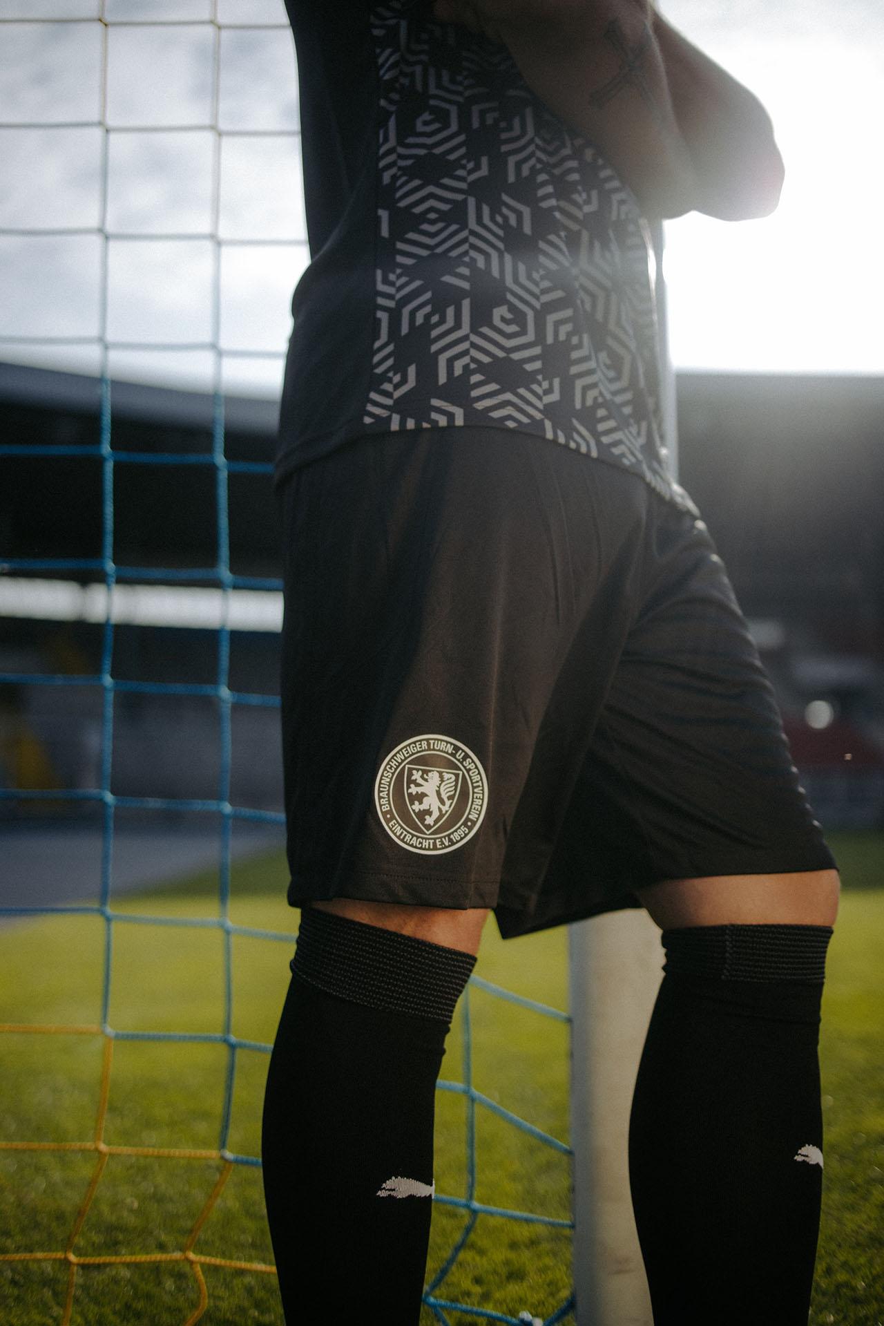 Camisas do Eintracht Braunschweig 2021-2022 PUMA