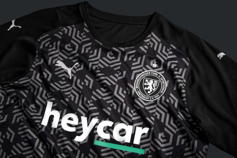 Camisas do Eintracht Braunschweig 2021-2022 PUMA kit a