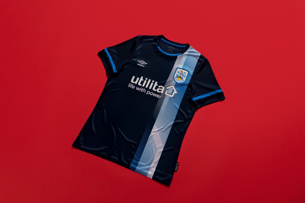 Camisas do Huddersfield Town 2021-2022 Umbro