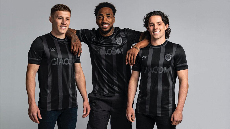 Camisas do Hull City 2021-2022 Umbro a