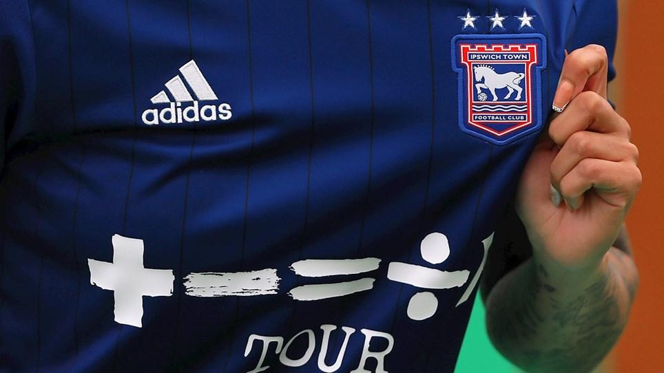 Camisas do Ipswich Town 2021-2022 Adidas 1