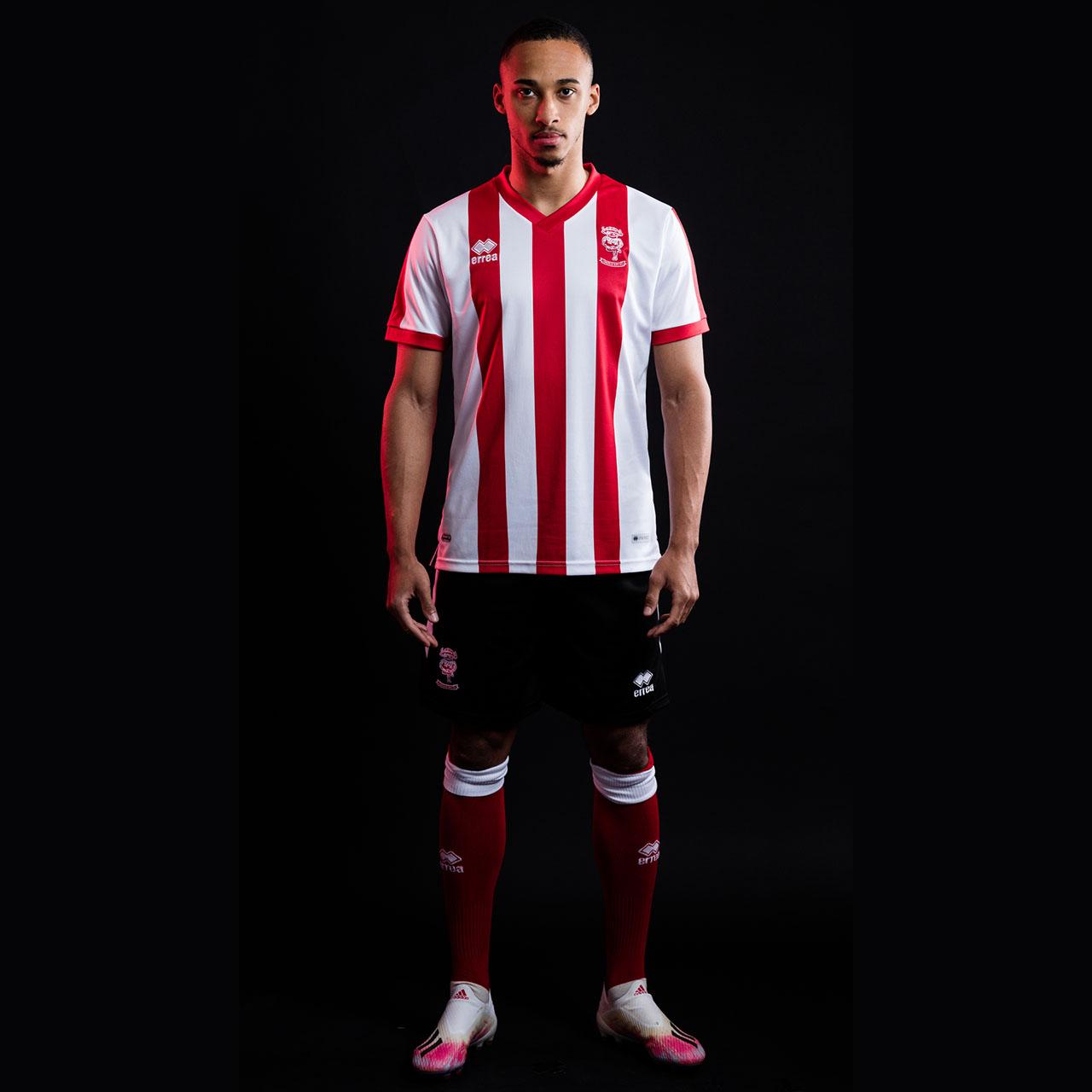 Camisas do Lincoln City 2021-2022 Erreà