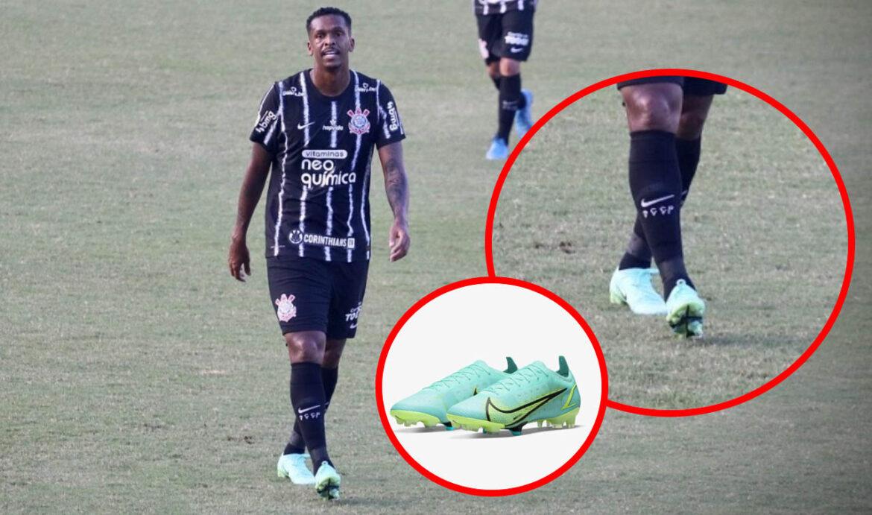 Jô é multado no Corinthians por usar chuteiras verdes