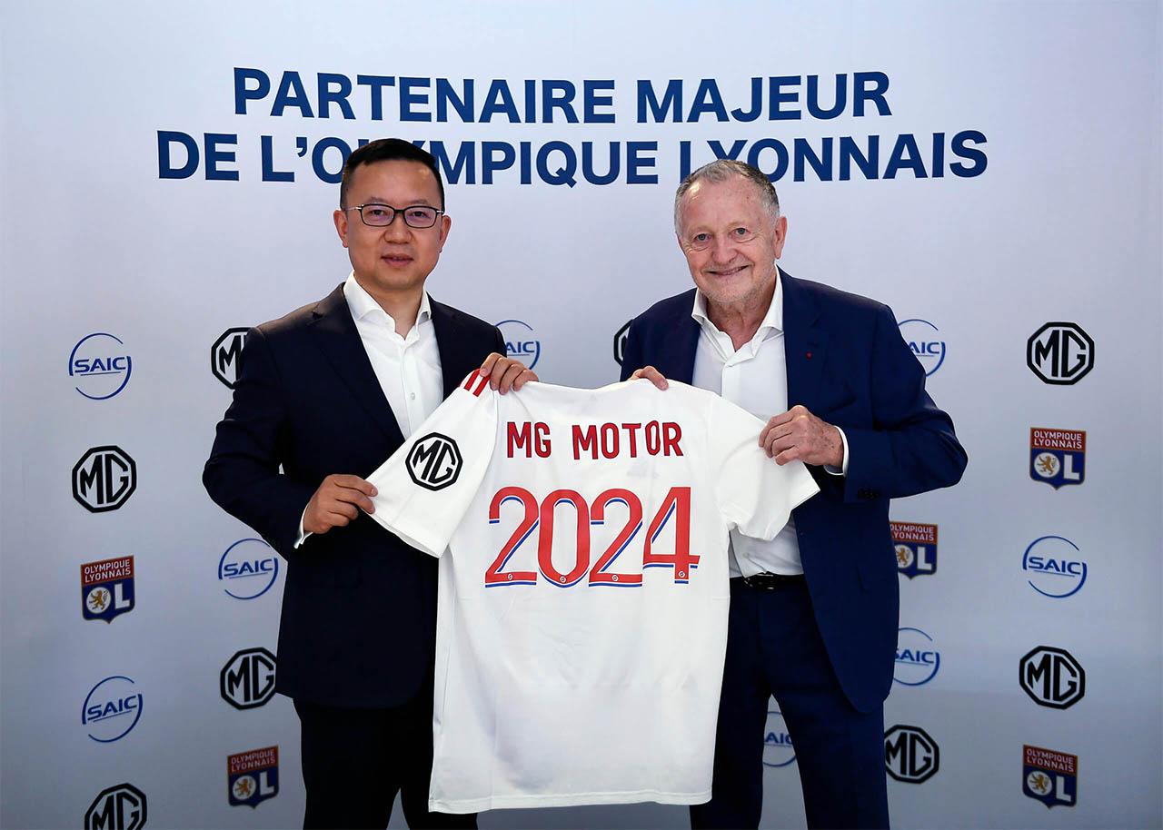 UEFA Patrocínio Manga 2021 Lyon