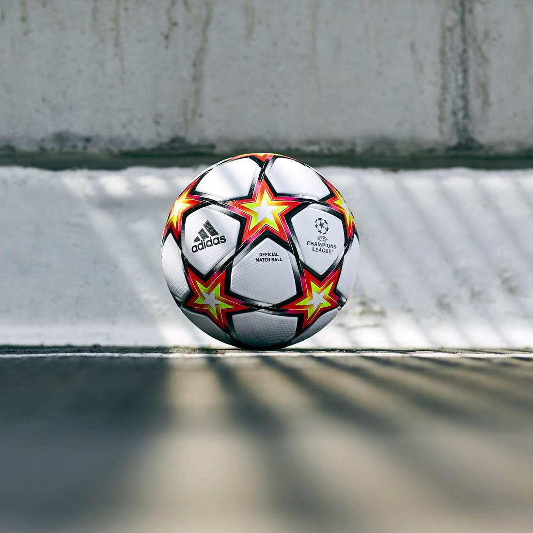 Adidas pyrostorm 2021-2022 Champions League bola