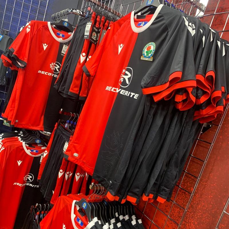Camisas do Blackburn Rovers 2021-2022 Macron Away