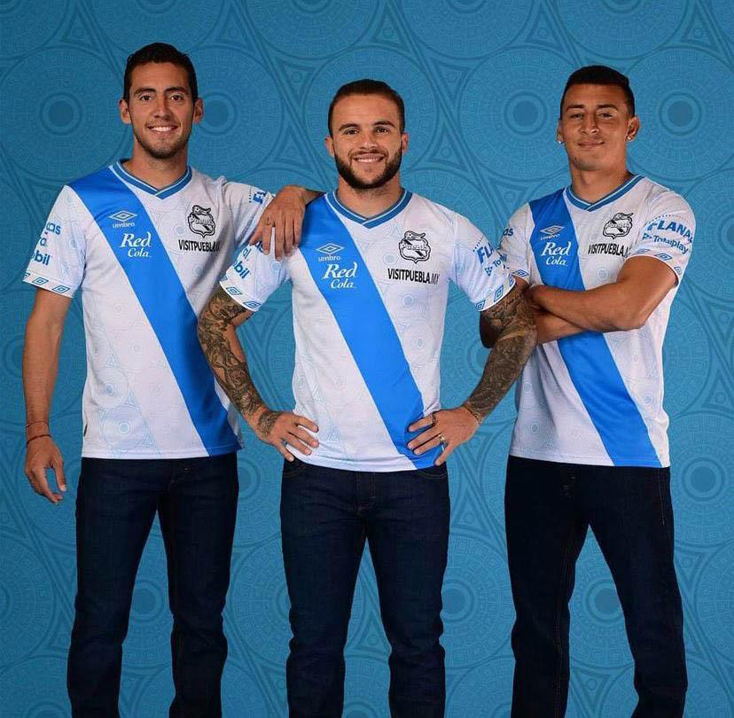 Camisas do Club Puebla 2021-2022 Umbro
