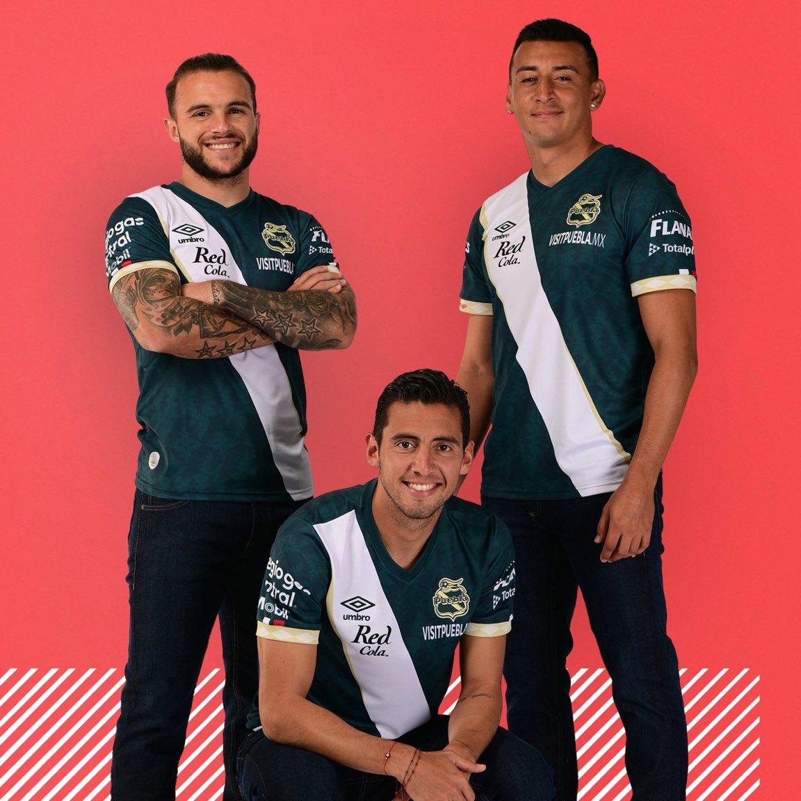 Camisas do Club Puebla 2021-2022 Umbro Away