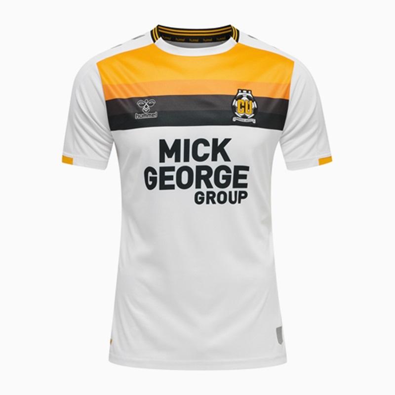 Terceira camisa do Cambridge United 2021-2022 Hummel