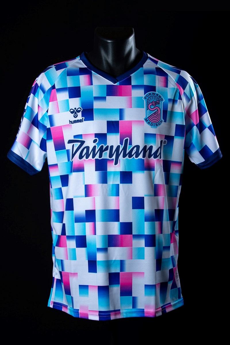 Camisa especial do Forward Madison 2021-2022 Hummel