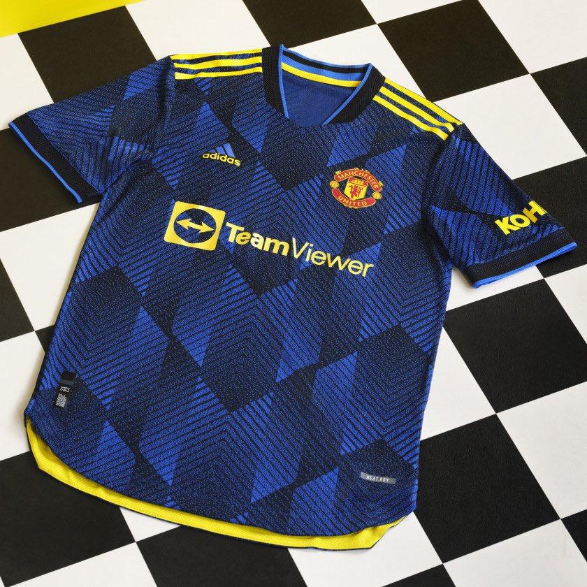 Terceira camisa do Manchester United 2021-2022 Adidas