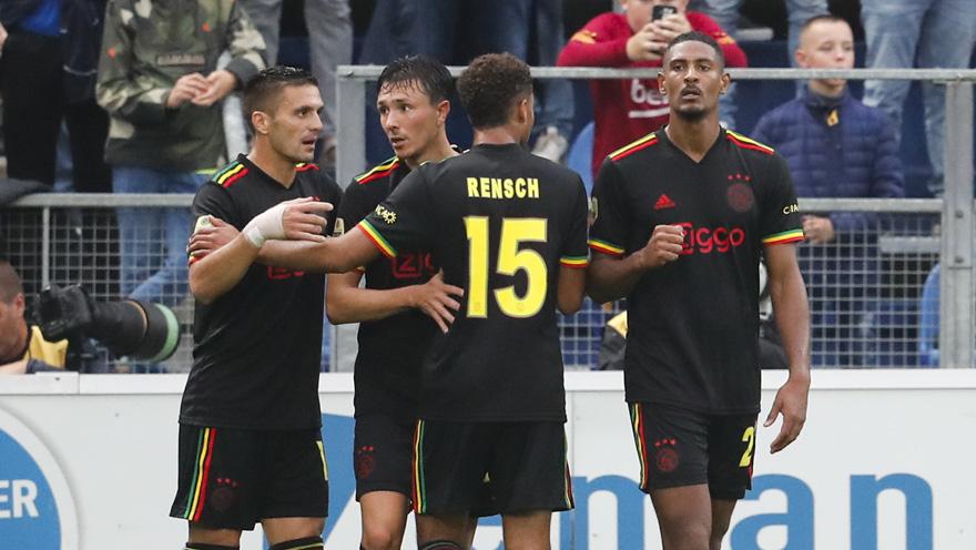 UEFA ordena a retirada dos Three Little Birds da camisa do Ajax