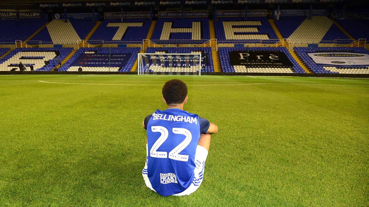 Por que o Birmingham City aposentou a camisa 22 de Jude Bellingham?