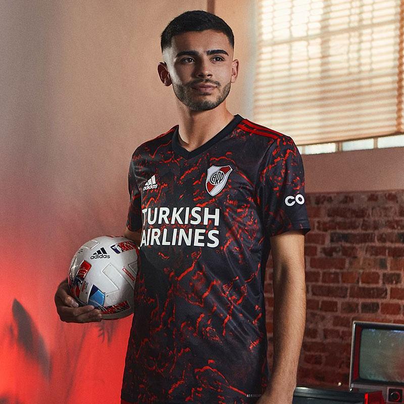 Camisa reserva do River Plate 2021-2022 Adidas
