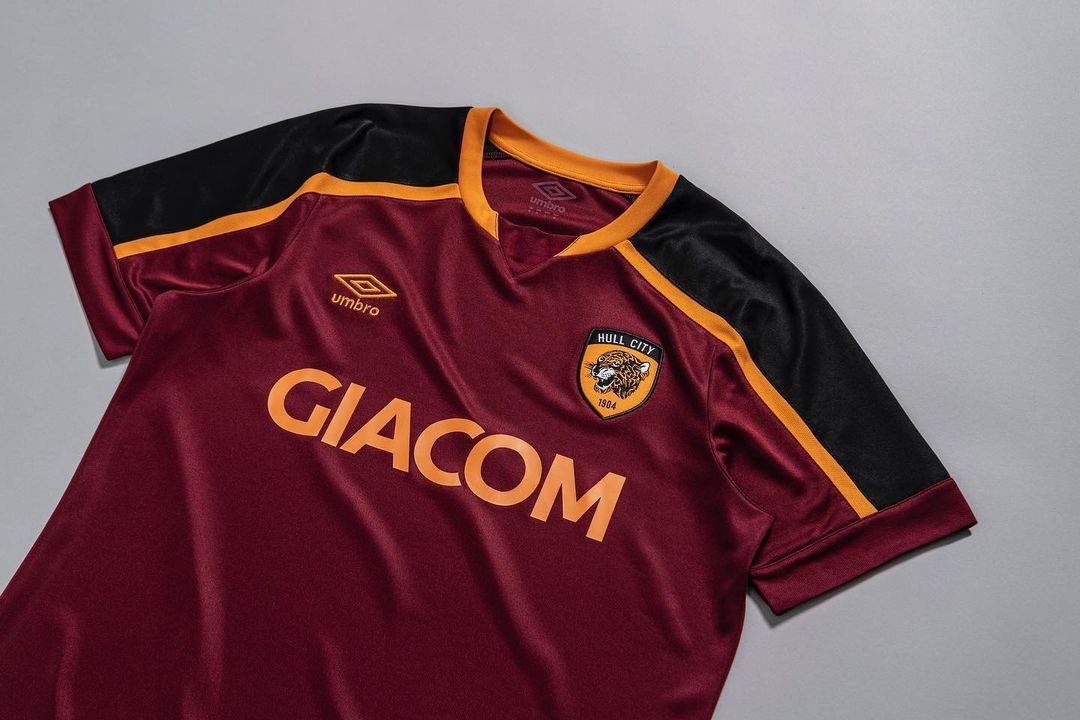 Terceira camisa do Hull City 2021-2022 Umbro